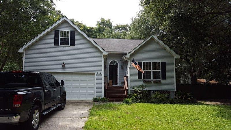 Room for Rent in Charleston Home with Harbor/Marsh Views, alquiler vacacional en Fenwick Island