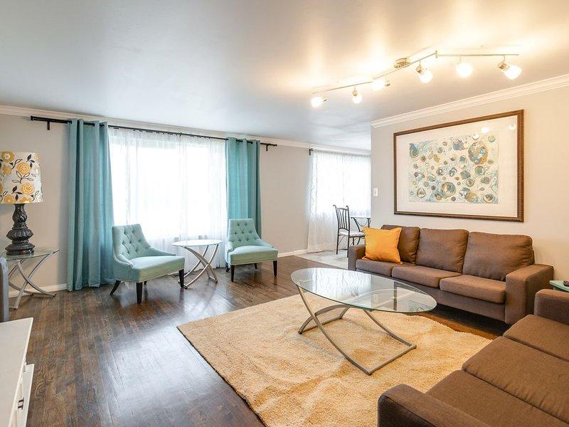 Lovely Midcentury Modern Inspired 3 Bedroom House, location de vacances à Mapleton
