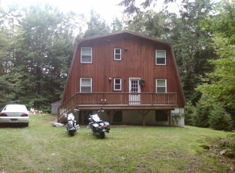 6 Bedroom House Located near Magic , Stratton and Okemo Mountain, holiday rental in Londonderry