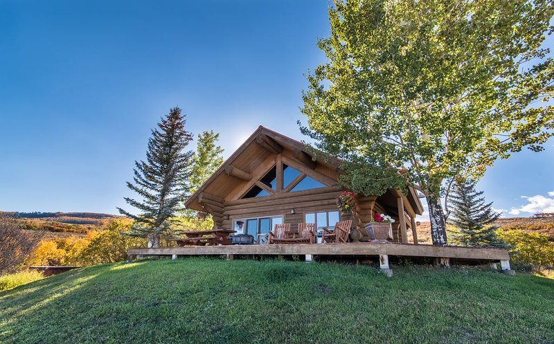 Mountain Ranch with Cabin and Private Beach, vacation rental in Gypsum