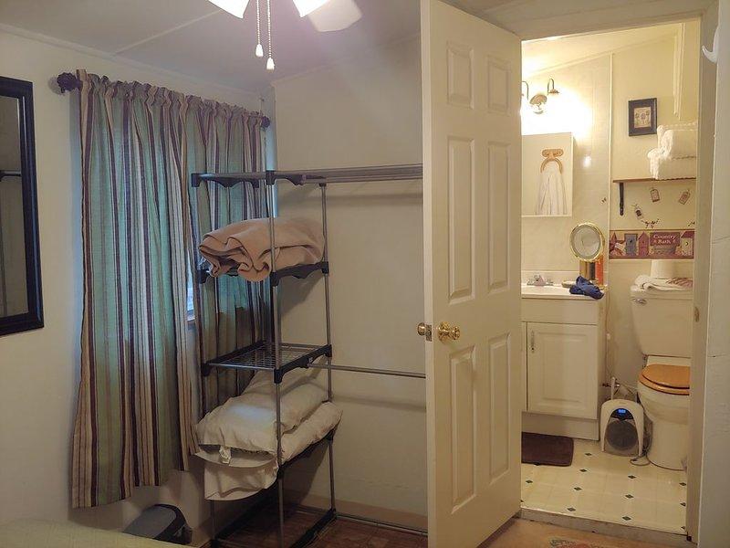 Summer Cottage in Vallecito Resort, alquiler de vacaciones en Bayfield