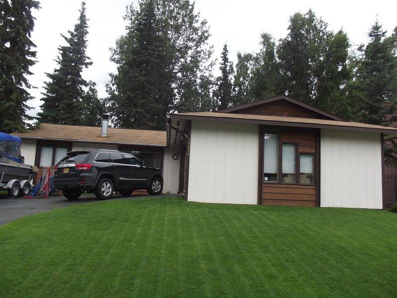 Visiting family/friends in Alaska?  Come stay here!, alquiler de vacaciones en Anchorage