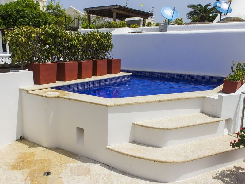 Casa Milagro - Beautiful Modern 3 BR Old City, holiday rental in Cartagena District