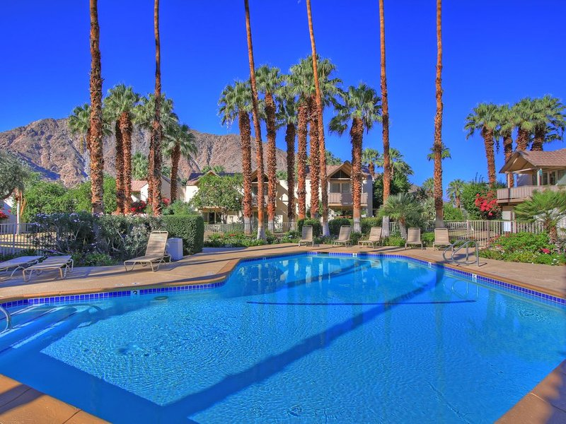 # 59-1 bedroom condo with mountain and pool views, vacation rental in Indian Wells