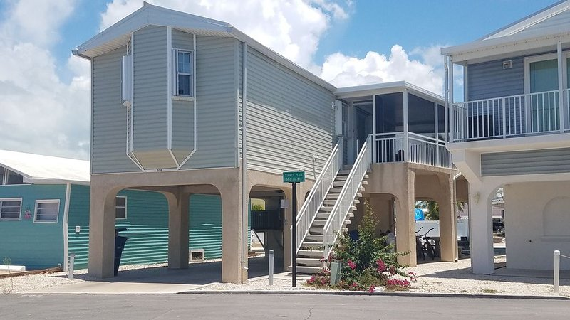 Paradise Awaits, Stilt home on Canal for fisherman,or Rest and Relaxation, holiday rental in Cudjoe Key