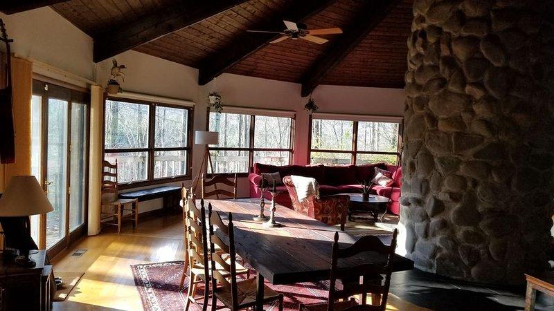 Hilltop Treehouse Woodstock Retreat, casa vacanza a Mount Tremper