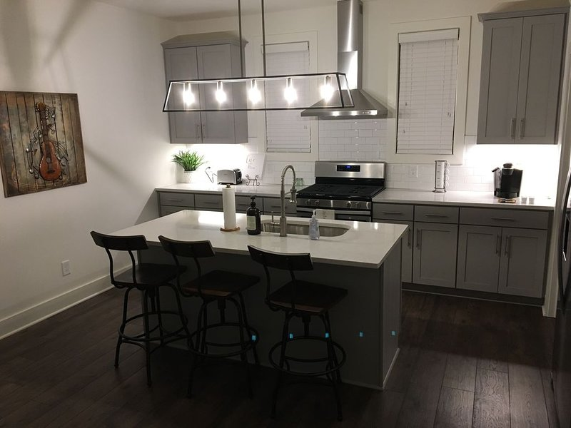 Music City Charm - 2.6 miles to Nissan Stadium!, holiday rental in Whites Creek