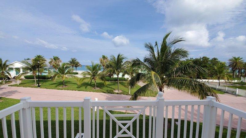 'VILLA BY THE SEA' 3 Bedroom / 3 Bath, alquiler de vacaciones en Bimini