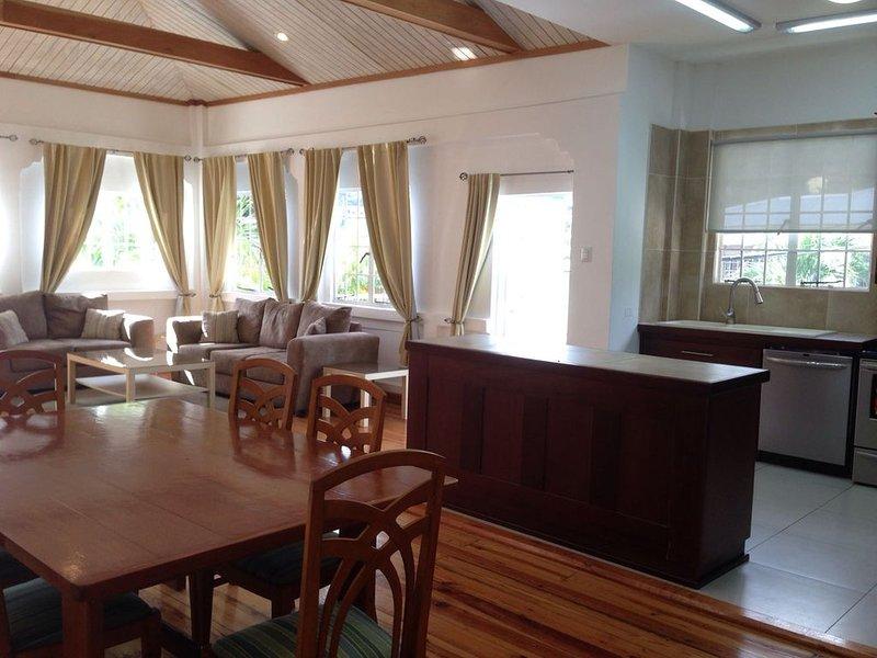 Upper Suite | Palm House | Glencoe, alquiler de vacaciones en Woodbrook