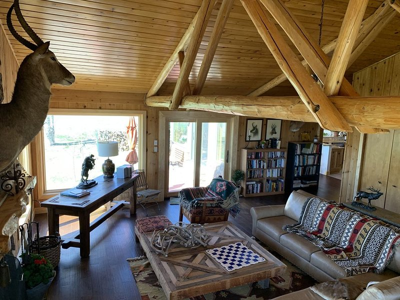 Luxury 3 bdrm Ranch House at the base of Rocky Mountains!, holiday rental in Silver Cliff