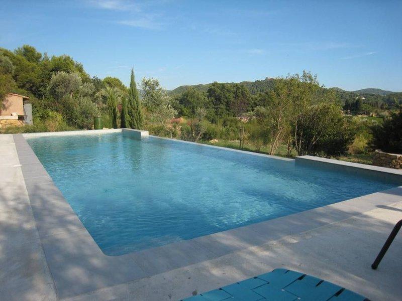 Studio La Cadière d'Azur, jardin privatif, accès piscine, dans cadre idyllique, holiday rental in La Cadiere d'Azur
