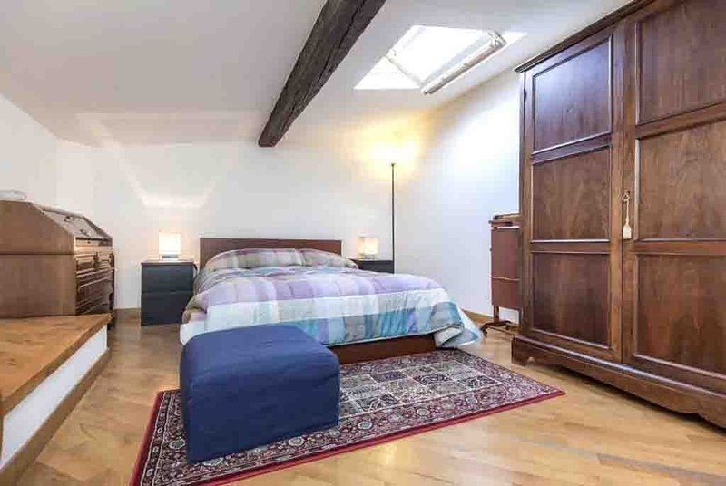 Cosy Penthouse suite, holiday rental in San Martino alla Palma