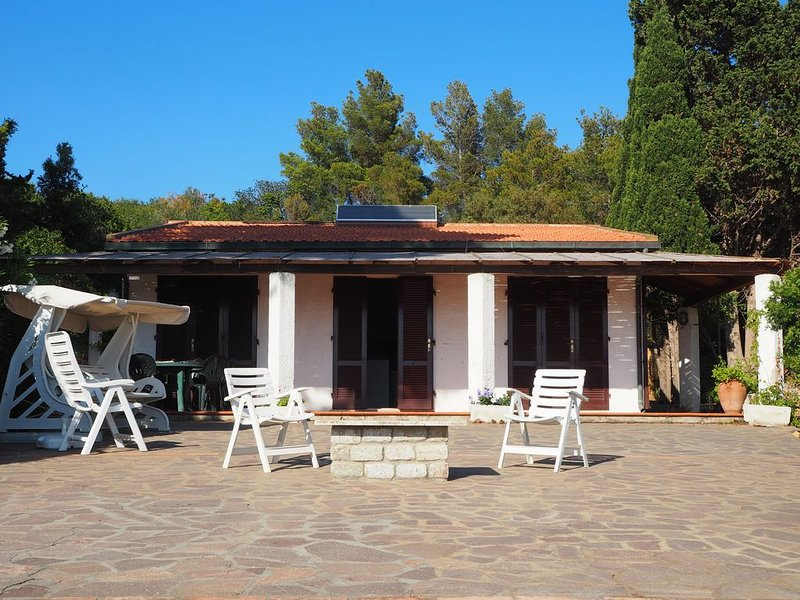 Villa with stunning views and coastal location!, vacation rental in Capoliveri