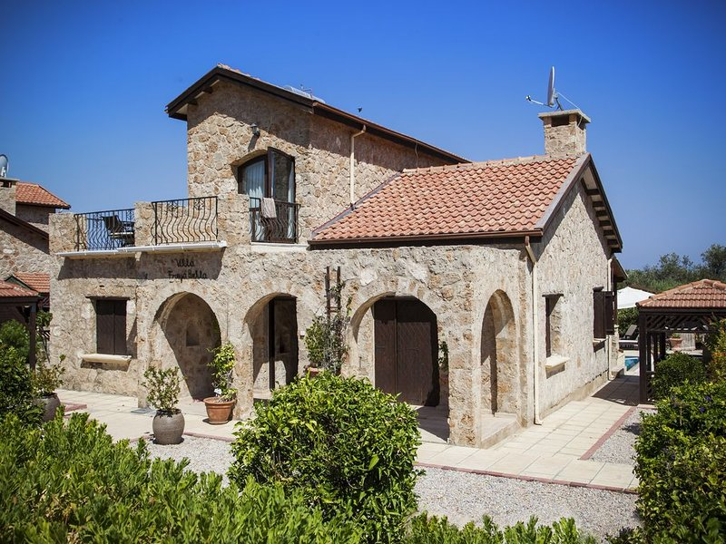 Beautiful 3 bedroom traditional Villa with Private Pool, Sea and Mountains View, vacation rental in Catalkoy