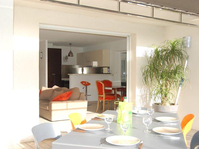Villa 3 chambres, 2 salles de bain, Piscine à 2,5 km du centre de l Ile Rousse, vacation rental in Monticello