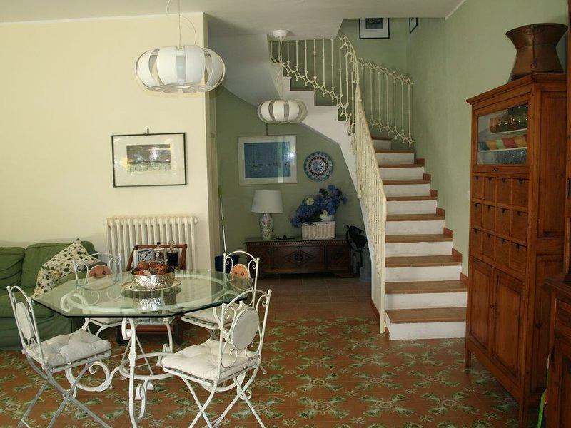 Accogliente ed elegante villetta, con giardino, a pochi metri dal mare, holiday rental in Giulianova