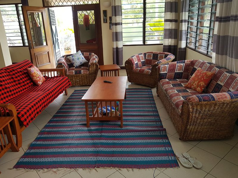 Spacious 3 bed rooms apartment fully furnished, vacation rental in Bamburi