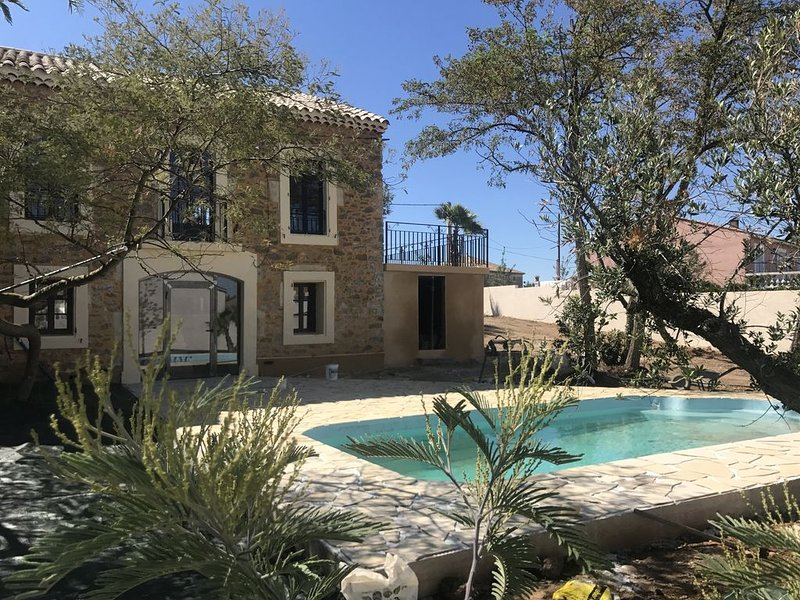Villa Napoleon location a la semaine canal du midi, holiday rental in Aude