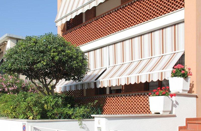 Confortevole appartamento con giardino vicino al mare, Follonica, Toscana, aluguéis de temporada em Vignale