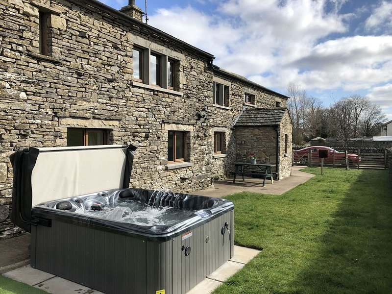 Barn conversion with Stunning views, holiday rental in Penrith