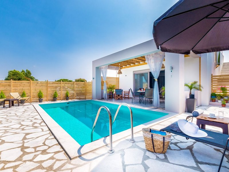 Luxurious Μodern Beachfront Villa with Private Swimming Pool ideal for Family, vacation rental in Afandou