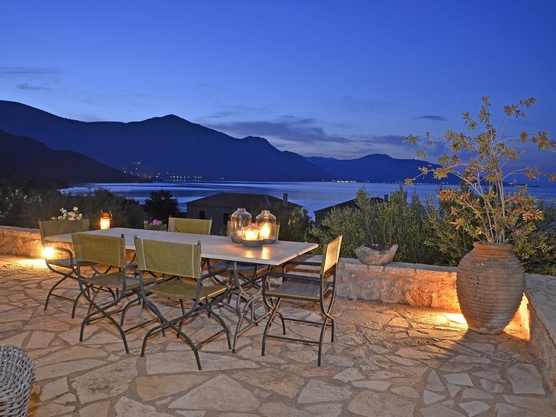 Poulithra -Fenia  House - Vacations, casa vacanza a Leonidio