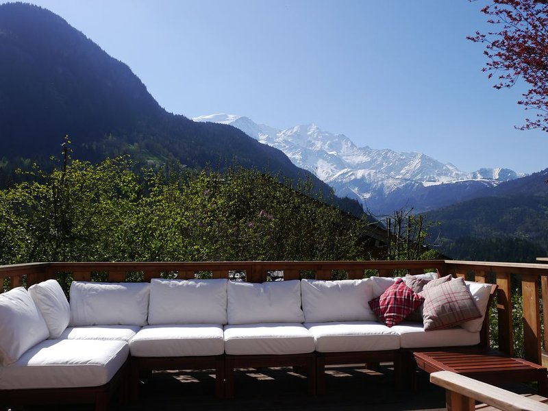 Chalet les Combes - stunning views of Mt Blanc, holiday rental in Servoz