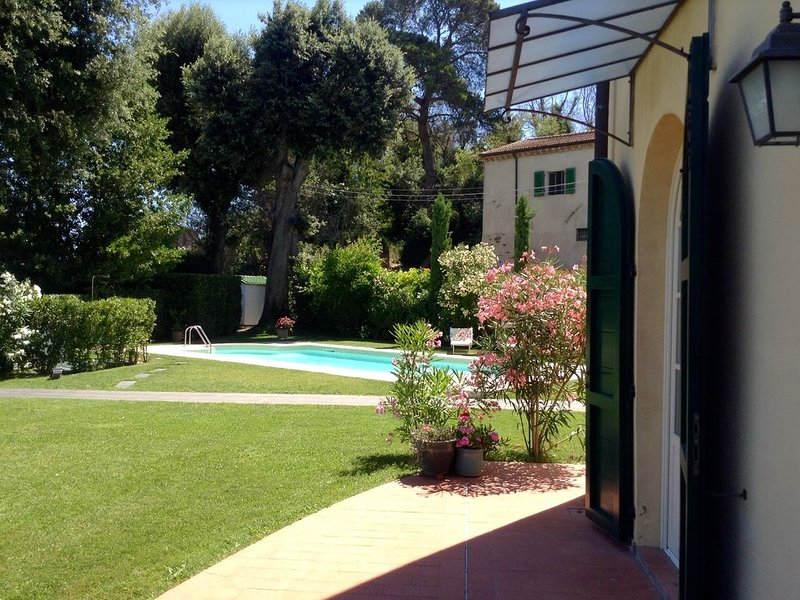 Lovely, spacious garden apartment with new pool and great views. Sleeps 4., holiday rental in Cevoli di Lari