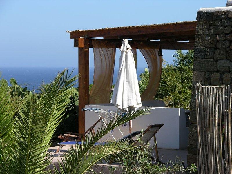 Pantelleria (dammuso) villa vista mare indimenticabile quiete e tramonti, casa vacanza a Pantelleria