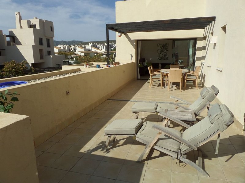 Well appointed first floor apartment with large wrap-round terrace., vacation rental in Corvera