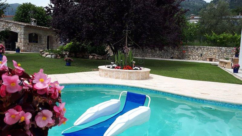 Villa 'Euréka'-Standing-Sérénité-Piscine-Pool-house -  Climatisation-8 pers., vacation rental in Saint-Jeannet