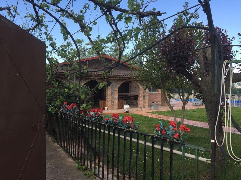 Casa Fiestas y descanso, holiday rental in Ausejo