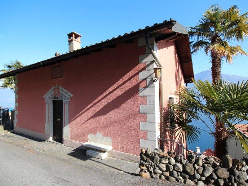 Casa Lago Azzurro Erholung puur für Ferien & Auszeit, holiday rental in Malesco