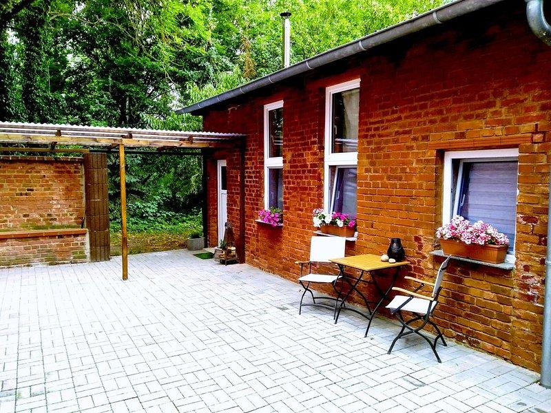 Gemütliche Ferienwohnung mit Kamin und Hochbett, location de vacances à Bernburg