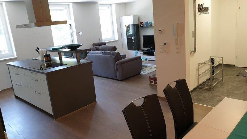 klimatisierte Ferienwohnung mit sehr guter Anbindung nach Wien, holiday rental in Kaumberg