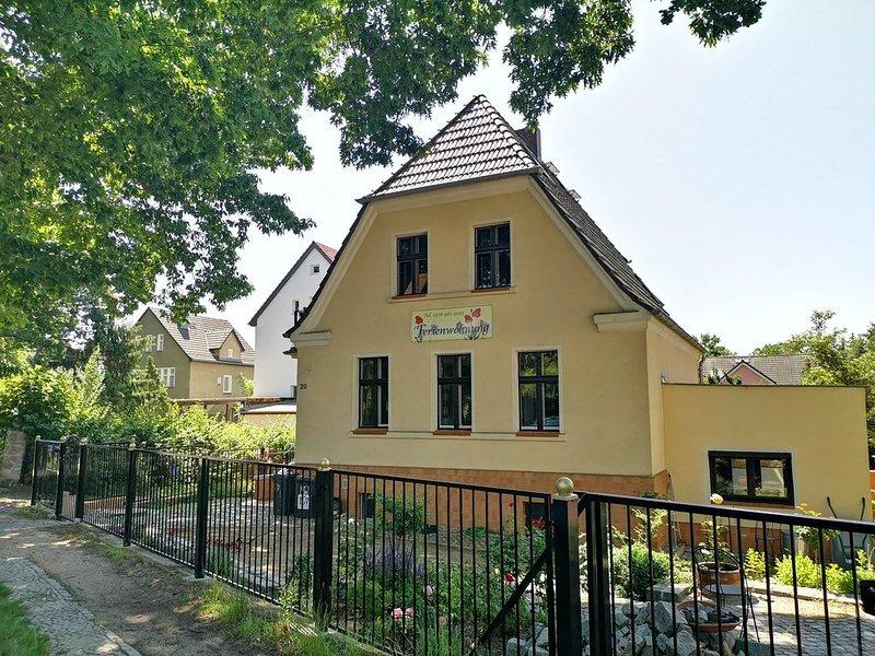Ferienhaus  MONA LIESE / SOUTERAINwhg. am Berliner MÜGGELSEE, casa vacanza a Schonefeld