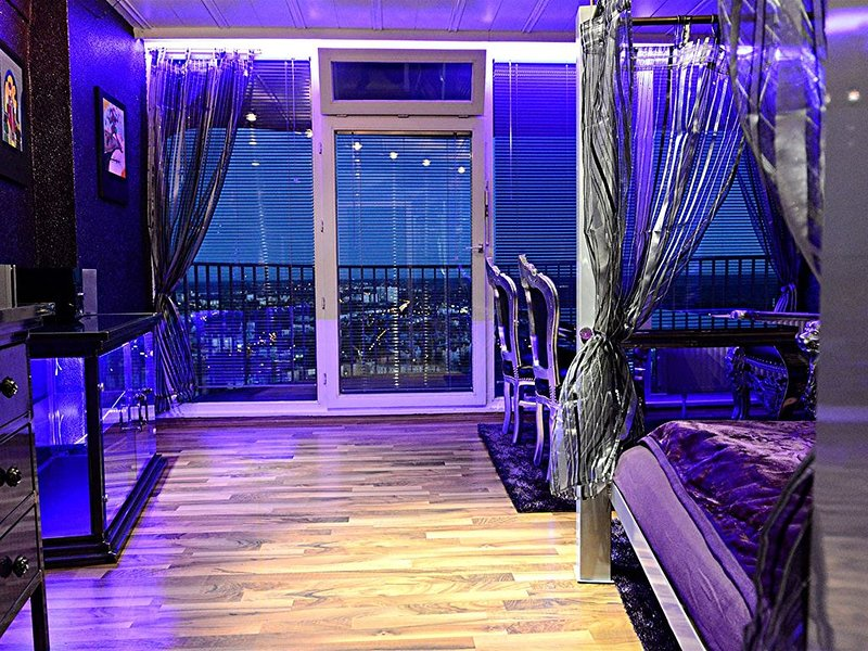 ROYAL-SKY-SUITE im Hotelturm Augsburg 33. Etage, vacation rental in Augsburg