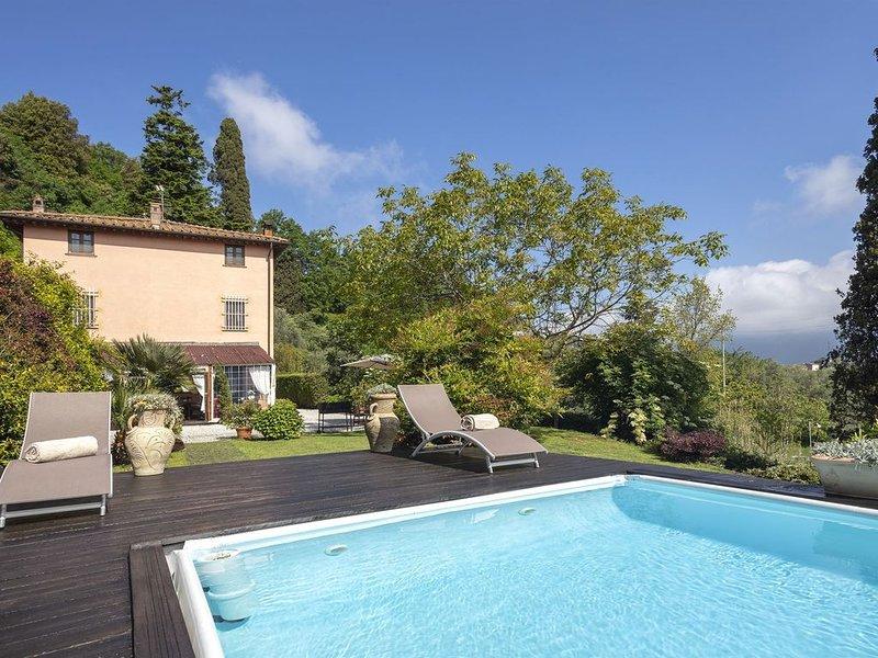 Villa Giovannino, Camaiore, Lucca and Viareggio, holiday rental in Pedona