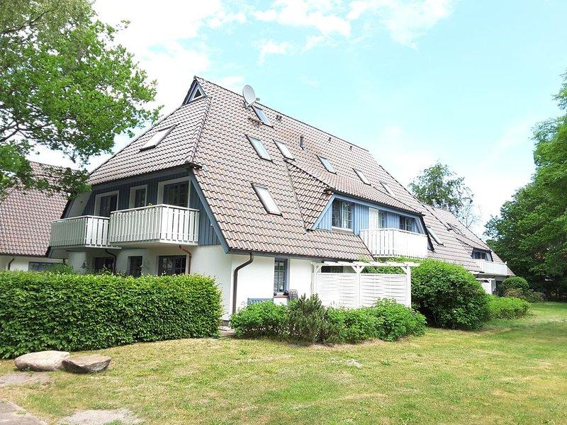 große Ferienwohnung für bis zu 6 Personen direkt am Wald und in Strandnähe, WLAN, location de vacances à Ostseebad Prerow