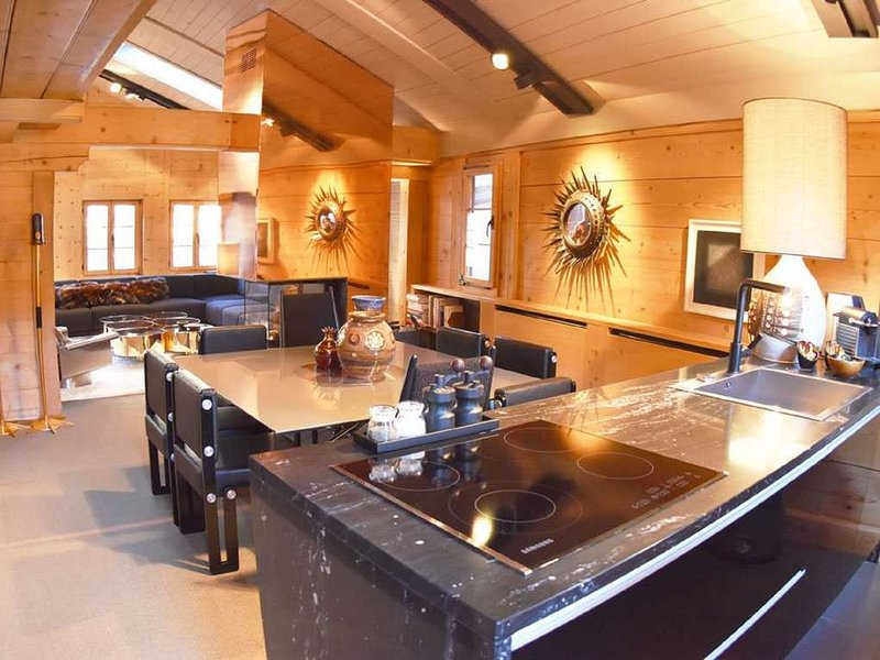 Contemporary Chic Centre village Saanen Chalet, vacation rental in Chateau-d'Oex