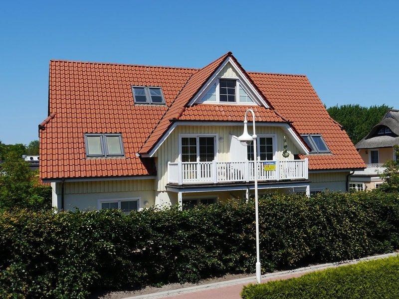 strandnahe Ferienwohnung im Zentrum von Prerow, Süd-Terasse, WLAN, 4 Pers., location de vacances à Ostseebad Prerow