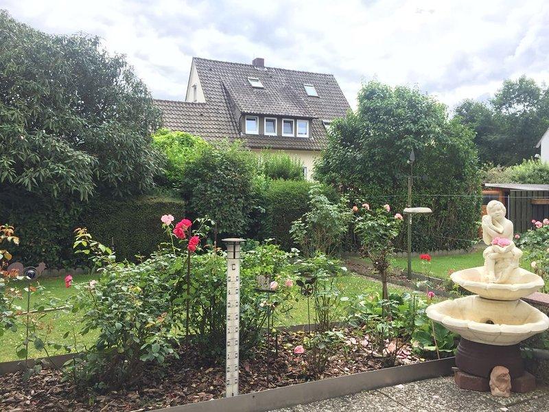 Schöne große Wohnung mit Garten und Terrasse, vacation rental in Porta Westfalica