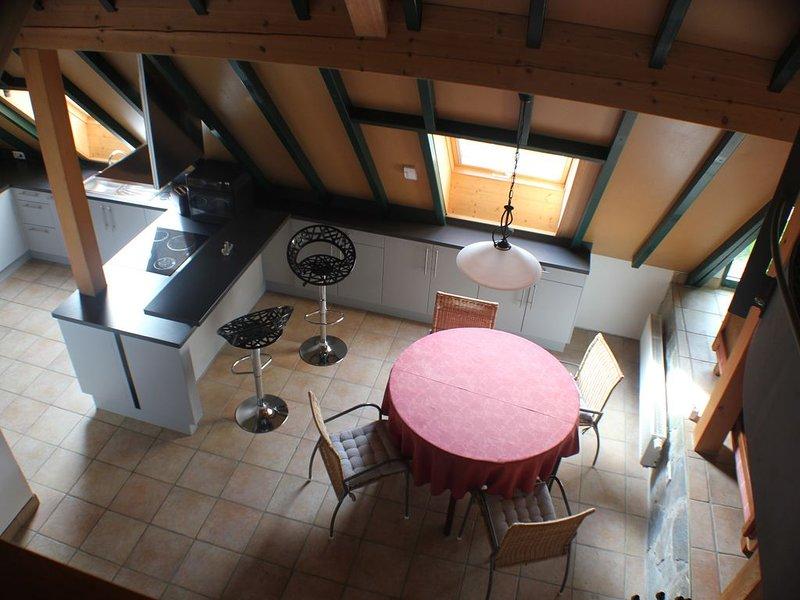 Gemütliche Wohnung gehobene Ausst. in Kork,  ruhigem Dorf Nähe Straßburg, holiday rental in Durbach