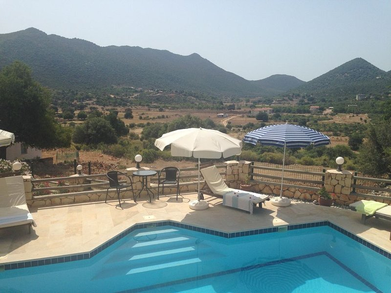 5star Family Friendly House with Private Pool and Beautiful Panoramic Views, holiday rental in Demre (Kale)