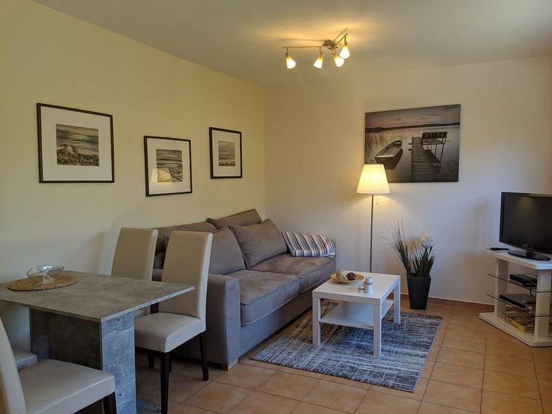 Bungalow/Ferienhaus im Herzen von Rerik - 100m zum Strand - gr. Terrasse - WLAN, casa vacanza a Rerik