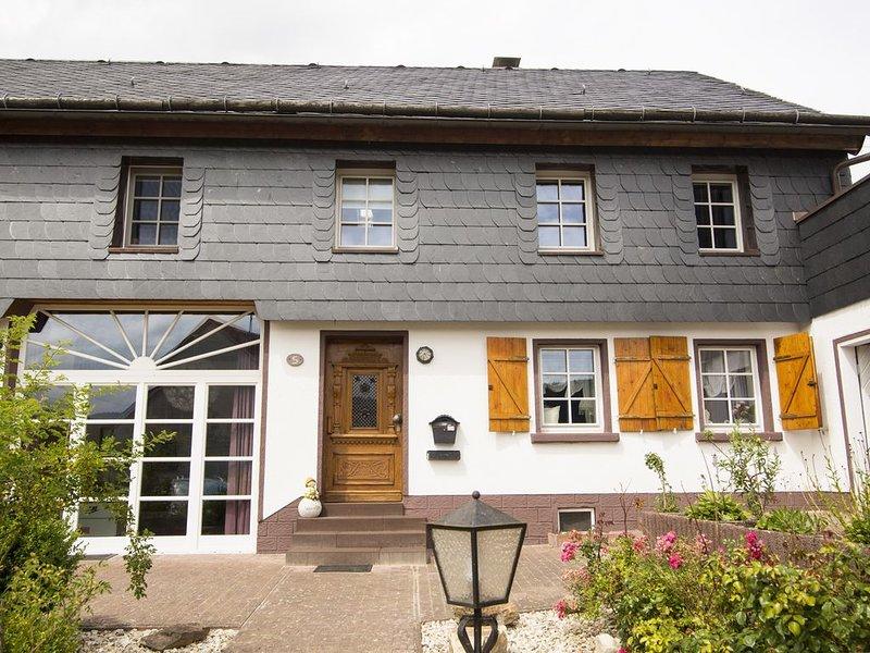 4 Sterne Ferienhaus 'Zum Weiher' mitten im Nationalpark Hunsrück-Hochwald, holiday rental in Bruecken