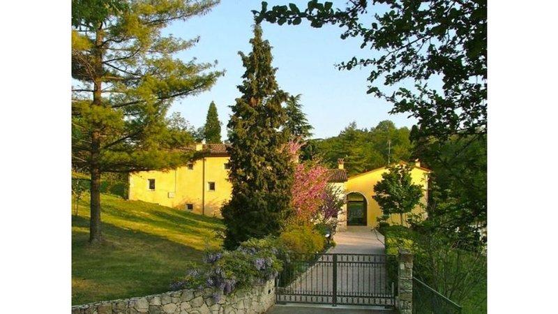 CASA TIPICA nei COLLI BERICI punto strategico per visitare il Veneto, vacation rental in Villaga