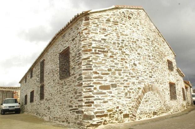 Casa Rural El Arco para 6 personas, holiday rental in Sevilleja de la Jara