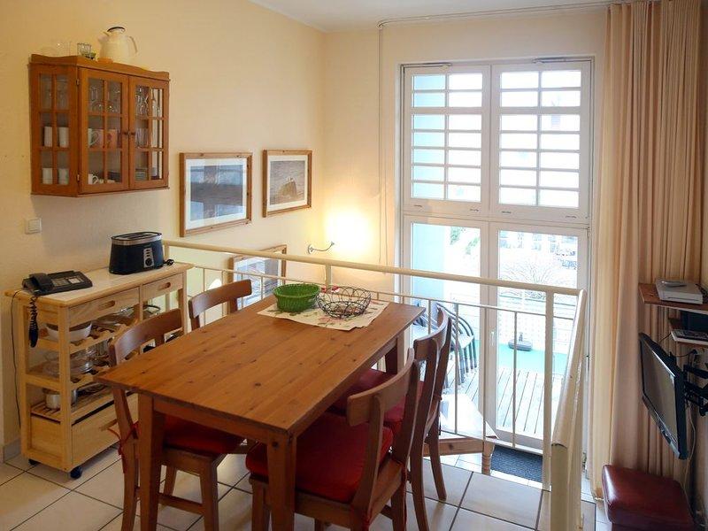 Appartement 220 - 100m zum Strand - Balkon - Schwimmbad - WLAN - PKW Stellplatz, holiday rental in Ostseebad Kuhlungsborn