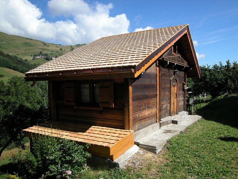 Chalet de charme rénové dans un ancien grenier , proche des pistes, situé en, casa vacanza a Les Avanchers-Valmorel